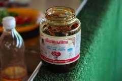 Вкусные рецепты: Салат с копченой курицей и черносливом, Кефирно-заварные блинчики с апельсиновым соусом, Летнее вдохновление