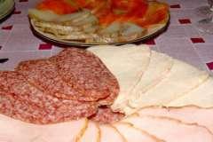 """Вкусные рецепты: Салат """"Морской"""" под соусом карри, Торт """"Белоснежка, Шоколадно-лимонный торт или сюрприз за 15 минут"""