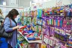 Покупка цветов: какие букеты можно вручить девушке и родителям